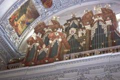 Salzburg Österrike - Maj 01, 2017: Inre av den Salzburg domkyrkan - detaljer royaltyfri fotografi