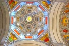 Salzburg Österrike - Maj 01, 2017: Inre av den Salzburg domkyrkan - detaljer royaltyfri bild