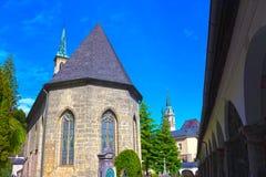 Salzburg Österrike - Maj 01, 2017: Kyrkogården för St Peter ` s på Salzburg Royaltyfri Bild
