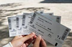 Salzburg Austria, Kwiecień, - 21, 2016: Ręka trzyma 4 bileta dla Obraz Royalty Free