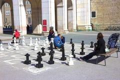 Salzburg Austria, Maj, - 01, 2017: Tradycyjny uliczny szachy na głównego placu iin Salzburg jest turysty atraction Obrazy Royalty Free