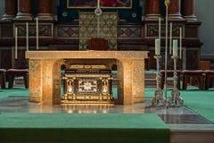SALZBURG/AUSTRIA - SEPTEMBER 19: Sikt av ett altare i Salzburg C arkivbild