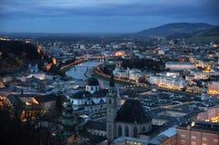 Salzburg an der Dämmerung Stockfoto