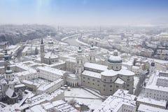 Salzburg domkyrkapanoramautsikt royaltyfri fotografi