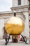 Salzburg En monument är Mozartkugel Royaltyfri Foto