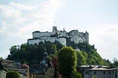 Salzburg, Festung Hohensalzburg, het beroemde kasteel in de stad, vesting in Oostenrijk royalty-vrije stock foto's