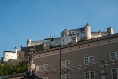 Salzburg Festung Hohensalzburg i sommar arkivfoto
