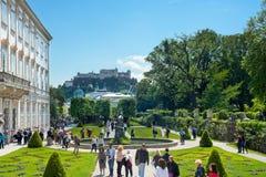 Salzburg kasztel i Mirabell ogródy obrazy royalty free