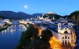 Salzburg linia horyzontu przy nocą, Austria Obraz Royalty Free