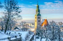 Salzburg linia horyzontu z Muellner kościół w zimie, Salzburger ziemia, Austria fotografia stock