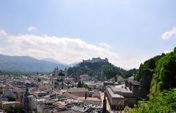 Salzburg med Festung arkivfoton
