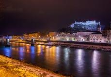 Salzburg Oostenrijk bij nacht Royalty-vrije Stock Foto
