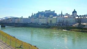 Salzburg-Skyline mit Hohensalzburg-Festung, Österreich stock video