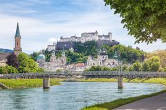 Salzburg Stadt with Salzach river and Hohensalzburg Castle, Salzburg Stock Photo