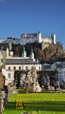 Salzburg stary miasteczko, Austria Mirabellplatz - Barokowa architektura obrazy stock