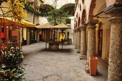 Salzburg stary miasteczko, Austria. Wewnętrzny podwórze. Fotografia Stock