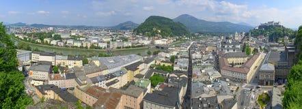 Salzburgen Altstadt som sett fr royaltyfria bilder