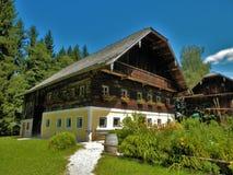 Salzburger na wolnym powietrzu muzealna drewniana chałupa zdjęcia royalty free