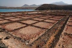 Salzen Sie Anlage, alte verlassene bassins, Lanzarote, Spanien stockfotos