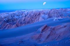 Salzen Sie Bildungen an Valle-De-La Luna in der Atacama-Wüste Stockfoto