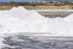 Salzen Sie Sammlung am Salzbergwerk von Trapani in Sizilien Lizenzfreies Stockbild