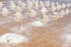 Salzen Sie Sammlung am Salzbergwerk von Trapani in Sizilien Stockfoto