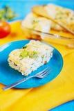 Salzige Torte mit Käse und Hüttenkäse lizenzfreie stockfotos