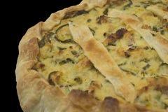 Salziger Kuchen mit italienischem Zucchini und Teigwaren brisee Stockfotos