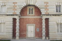 Salziges Royale im Bogen und in Senans Historisches Gebäude gemacht von Claude-Nicolas Ledoux-Architekten, im Bogen und in Senas  stockbild