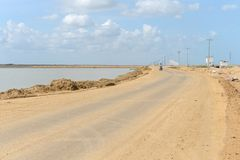 Salzproduktion auf Guakhirs Halbinsel stockfotografie