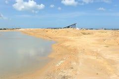 Salzproduktion auf Guakhirs Halbinsel lizenzfreie stockbilder