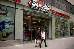 Sam Ash Music Stores Storefront Royaltyfri Fotografi