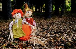 Sam och Sally Scarecrow arkivbilder