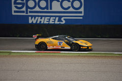 Sam Smeeth Ferrari 458 utmaning Evo på Monza Arkivbilder