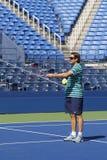 Sam Sumyk lagledaren av storslagen Slam för två gånger mästaren Victoria Azarenka under övning för US Open 2014 Royaltyfri Bild