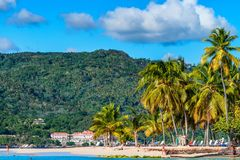 SAMANA,多米尼加共和国- 2015年10月31日:海滩在Samana,多米尼加共和国 库存图片