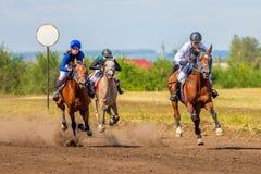 Samara, août 2018 : Course de chevaux au festival équestre photos libres de droits
