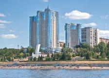 Samara dans le fleuve de Volga Photos stock