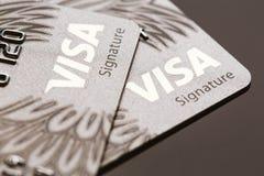 Samara, Rússia 25 de julho 2016: Close-up do cartão de crédito da assinatura do visto Foto de Stock Royalty Free