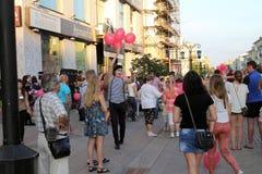 Samara, Rusland - Augustus 22, 2014: animator met ballons voor chi Stock Foto