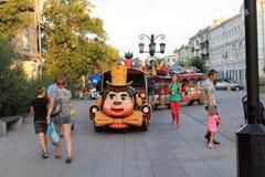 Samara, Rusland - Augustus 22, 2014: de vakantie van kinderen Jonge geitjesvleet Royalty-vrije Stock Fotografie