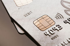 Samara, 25 Rusland-Juli 2016: van de de creditcardspaander van het debetvisum het tekenbetaling zonder contact Royalty-vrije Stock Foto's