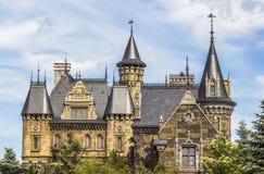 SAMARA, RUSSIA - 14 GIUGNO 2015: Castello Garibaldi del centro turistico nel villaggio Hryaschevka, regione della samara, Russia Immagini Stock Libere da Diritti