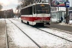 Samara, Russland, Tramweisen nahe Samara University auf Novo-Sadovayastraße lizenzfreie stockfotografie