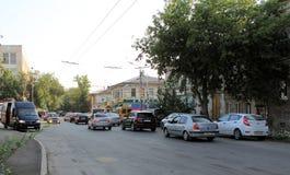Samara Ryssland - Augusti 15, 2014: tvärgator Justerbar crossro Royaltyfri Foto