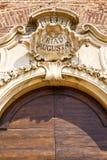 samarate Varese della chiesa dell'Italia il vecchio mosaico dell'entrata della porta immagini stock libere da diritti