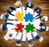 Samarbete Team Concept för pussel för affärsfolk Arkivfoto