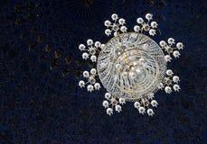 SAMARCANDA, L'UZBEKISTAN - 5 MAGGIO 2014: Candeliere nel mausoleo di Amir Temur Immagini Stock