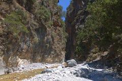 Samaria klyfta på den Crete ön Arkivbild