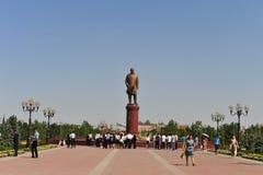 Samarkand: Monumento de Karimov del Islam foto de archivo